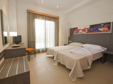dormitorio_3-habitacion-doble-alcocebre-suites-hotel-.jpg