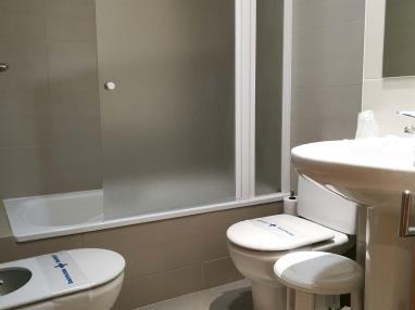 bano_4-suite-superior-alcocebre-suites-hotel-.jpg
