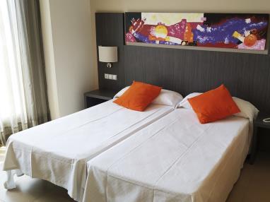 dormitorio_1-suite-superior-alcocebre-suites-hotel-.jpg