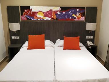 dormitorio_3-suite-superior-alcocebre-suites-hotel-.jpg