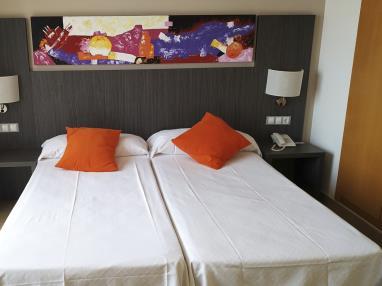 dormitorio_6-suite-superior-alcocebre-suites-hotel-.jpg
