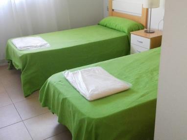dormitorio_1-apartamento-2-dormitorios-(4-6-personas)-alcocebre-suites-hotel-.jpg